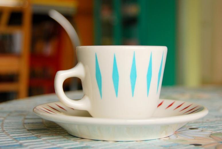 atomic vintage kitchen tea cup coffee saucer restaurantware homer laughlin