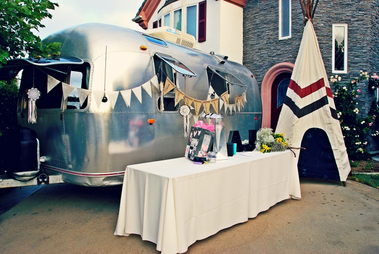 vintage airstream wedding camping decor idea hagrid