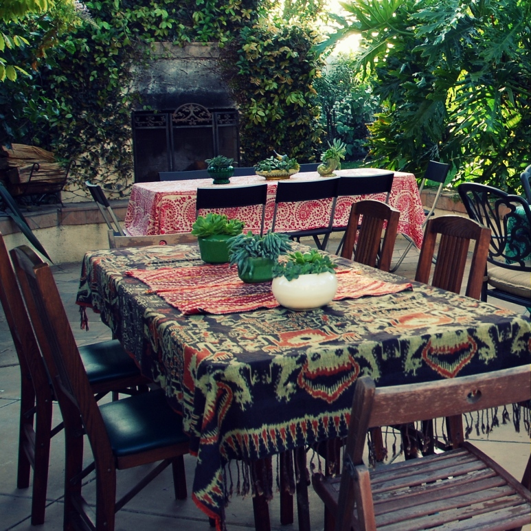 boho dinner decor bohemian vintage indian clothes succulant planters pottery simple and easy table ideas-001