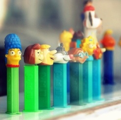 collecting-pez simpsons lucy flintstones