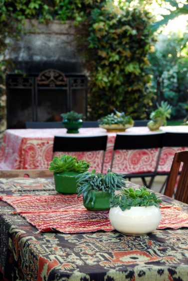 dinner decor succulant plantings vintage planters pottery boho fabrics indian paisley gauze