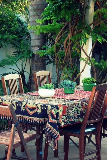 easy dinner party outdoor decor ideas entertaining ethnic