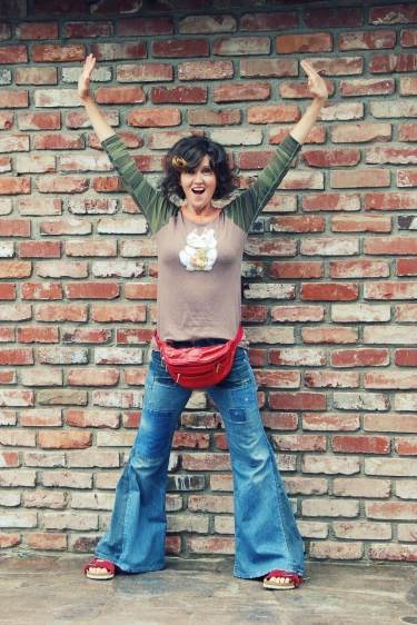 california pixie vintage fashion daily style outfits birdenstock free people inspired bellbottoms jeans lucky cat alternative apparel tshirt fanny pack kimi encarnacion