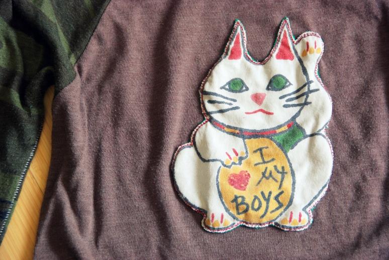 lucky cat alternative apparel tshirt DIY
